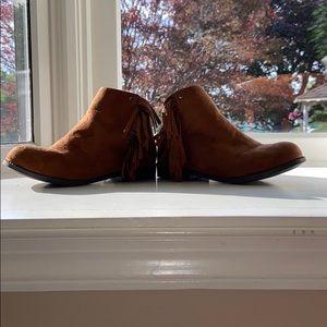 Tahari Children's boots